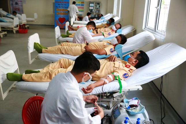 Hơn 260 cán bộ, chiến sĩ công an thành phố Huế hiến máu tình nguyện ảnh 2