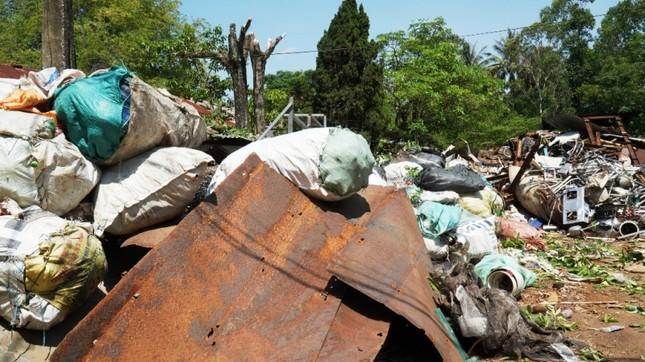 Dự án tiền tỷ 'mắc cạn', rác phế liệu tấn công khu dân cư, vây trạm y tế ảnh 7
