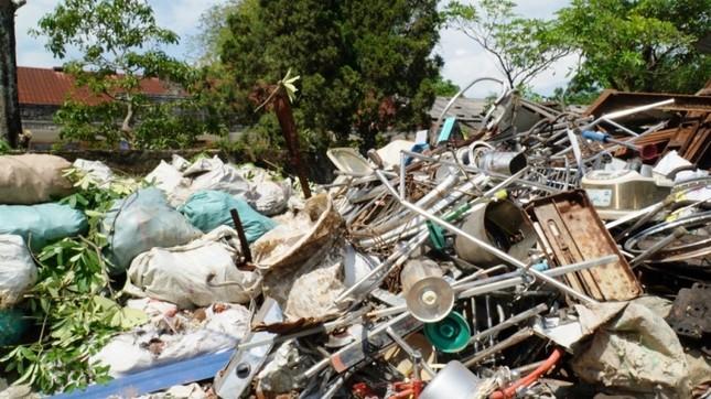 Dự án tiền tỷ 'mắc cạn', rác phế liệu tấn công khu dân cư, vây trạm y tế ảnh 6