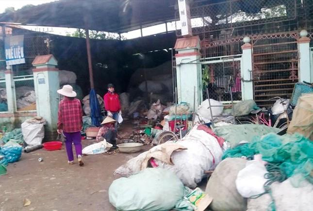 Dự án tiền tỷ 'mắc cạn', rác phế liệu tấn công khu dân cư, vây trạm y tế ảnh 1