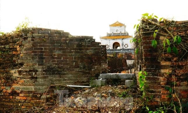 Chiêm ngưỡng những pháo đài trăm năm trên Thượng thành Huế ảnh 13