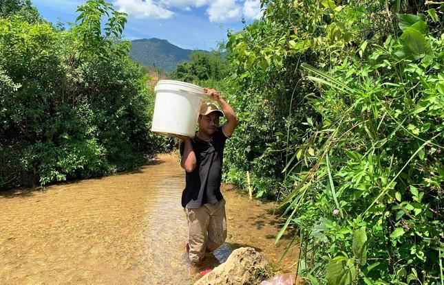 Hơn 10.000 dân vùng cao quay quắt 'khát' nước sạch mùa khô hạn ảnh 2