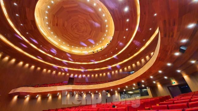 Nhà hát 1.000 chỗ độc đáo, sang trọng và hoành tráng bậc nhất xứ Huế ảnh 9