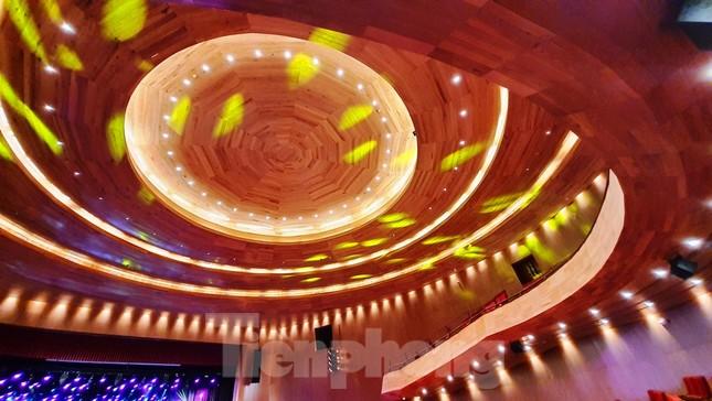 Nhà hát 1.000 chỗ độc đáo, sang trọng và hoành tráng bậc nhất xứ Huế ảnh 12