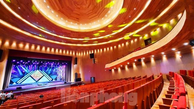 Nhà hát 1.000 chỗ độc đáo, sang trọng và hoành tráng bậc nhất xứ Huế ảnh 13