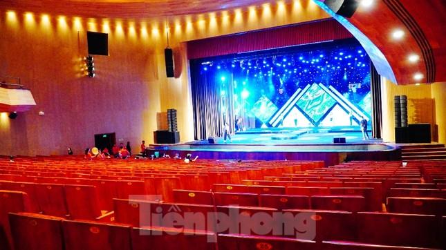 Nhà hát 1.000 chỗ độc đáo, sang trọng và hoành tráng bậc nhất xứ Huế ảnh 14