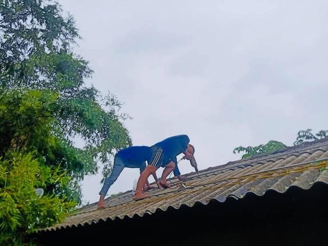 Gần 1.500 ĐVTN Huế miệt mài 'giải cứu' đường phố tắc nghẽn sau bão ảnh 10