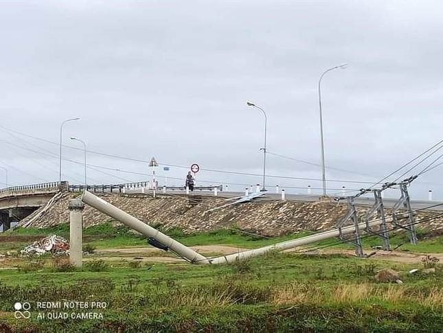 Hơn 400 cột điện đổ la liệt sau bão số 5: Tạm dừng sử dụng cột dự ứng lực ảnh 1