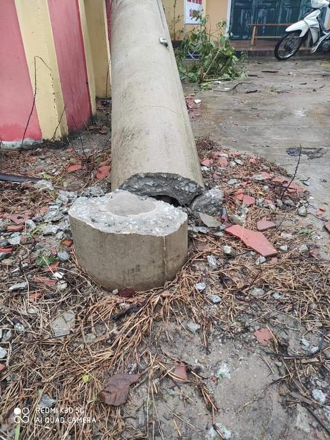 Hơn 400 cột điện đổ la liệt sau bão số 5: Tạm dừng sử dụng cột dự ứng lực ảnh 2