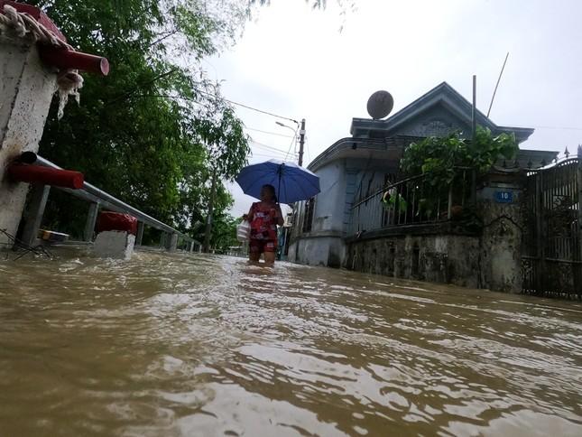 TT-Huế: Học sinh toàn tỉnh nghỉ học, hồ chứa 500 triệu m3 nhận lệnh khẩn xả nước ảnh 3
