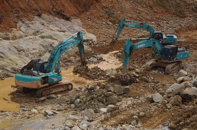 Cận cảnh 'công trường đặc biệt' tại Rào Trăng 3 - nơi phát hiện thi thể vùi dưới sông suối ảnh 8