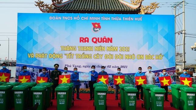 TT-Huế: Chung tay làm sạch, đẹp môi trường trong Tháng thanh niên ảnh 9