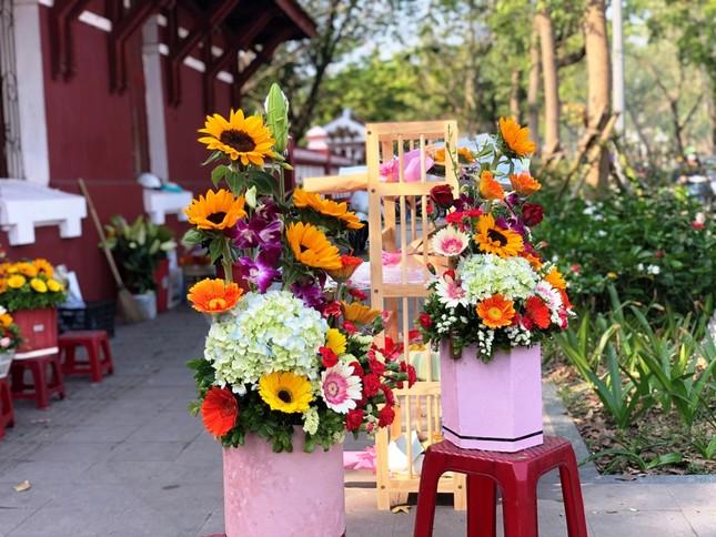 Hoa tươi 8/3 ở Huế ế ẩm do giá cao, hoa giả gắn tiền thật 'lên ngôi' ảnh 10