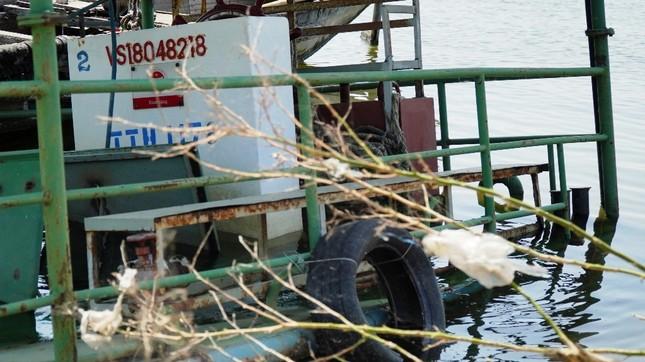 Xót xa đội phà vỏ thép tiền tỷ ở TT-Huế 'chìm tại bến' ảnh 9