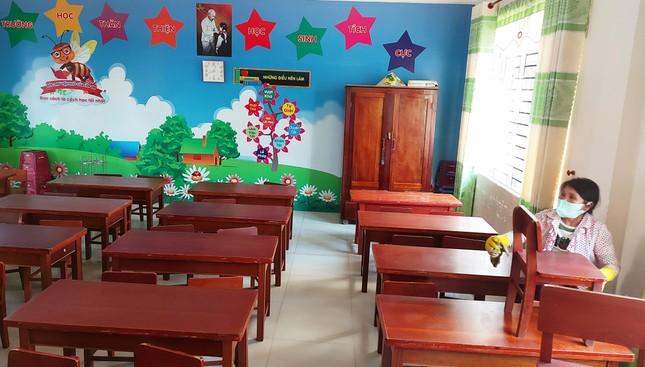 Học sinh Quảng Nam trở lại trường từ 4/5: Kiểm tra thân nhiệt, chào cờ tại lớp ảnh 3