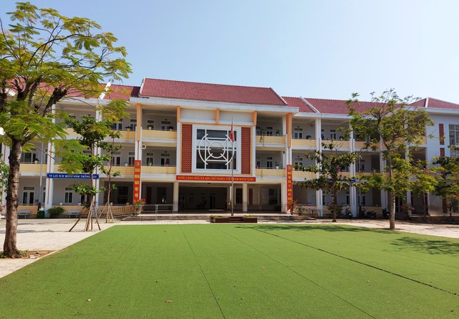 Học sinh Quảng Nam trở lại trường từ 4/5: Kiểm tra thân nhiệt, chào cờ tại lớp ảnh 7