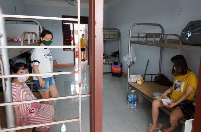 Hàng trăm thai phụ từ Đài Loan về Việt Nam cách ly: 'Mừng rơi nước mắt' ảnh 10