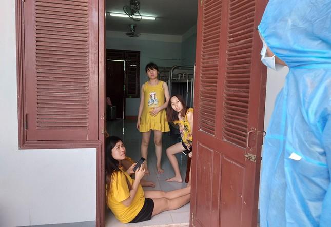 Hàng trăm thai phụ từ Đài Loan về Việt Nam cách ly: 'Mừng rơi nước mắt' ảnh 3