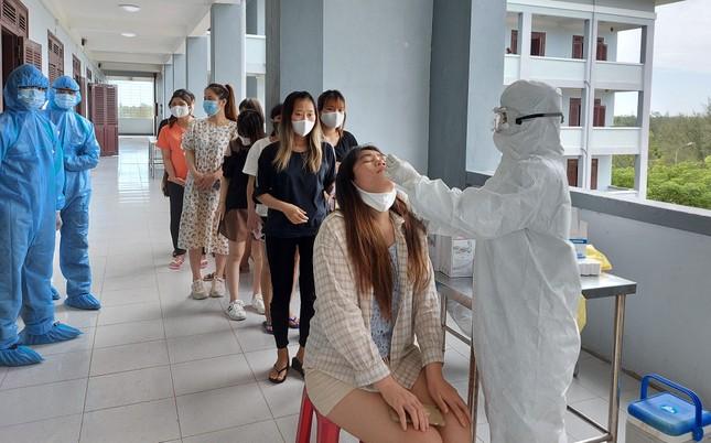 Hàng trăm thai phụ từ Đài Loan về Việt Nam cách ly: 'Mừng rơi nước mắt' ảnh 7