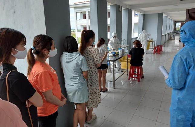 Hàng trăm thai phụ từ Đài Loan về Việt Nam cách ly: 'Mừng rơi nước mắt' ảnh 6