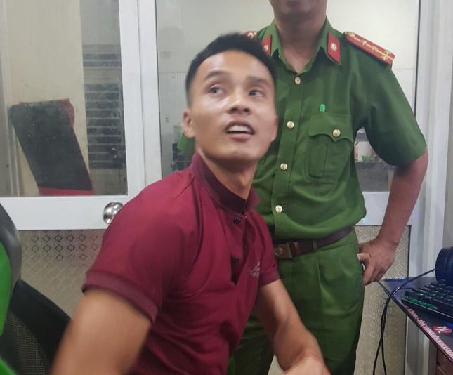 Bắt giữ phạm nhân vượt ngục Triệu Quân Sự tại quán internet ở Tam Kỳ ảnh 1