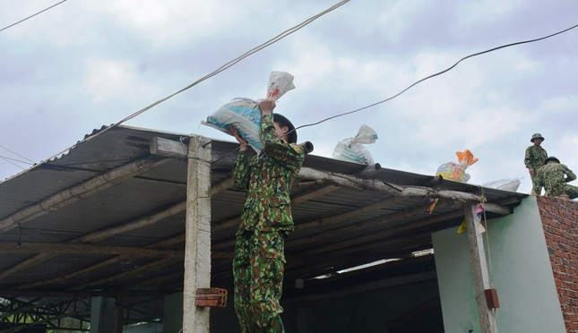 Quảng Nam khẩn cấp di dời 170 nghìn người tránh bão số 9 ảnh 12