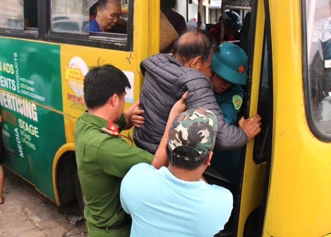 Bão số 9 áp sát, Quảng Ngãi mưa lớn, gió rít từng hồi ảnh 9