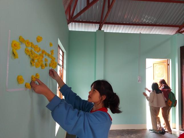 Người dân Trà Leng xúc động nhận nhà mới trước Tết ảnh 4