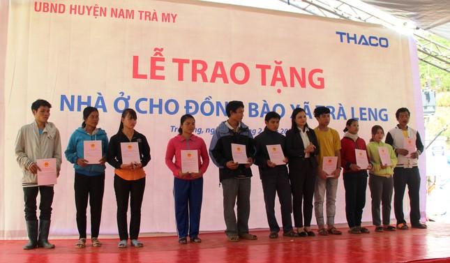 Người dân Trà Leng xúc động nhận nhà mới trước Tết ảnh 1