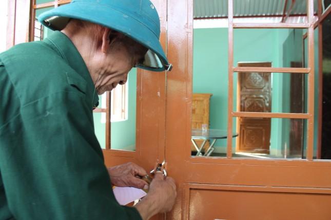 Người dân Trà Leng xúc động nhận nhà mới trước Tết ảnh 8