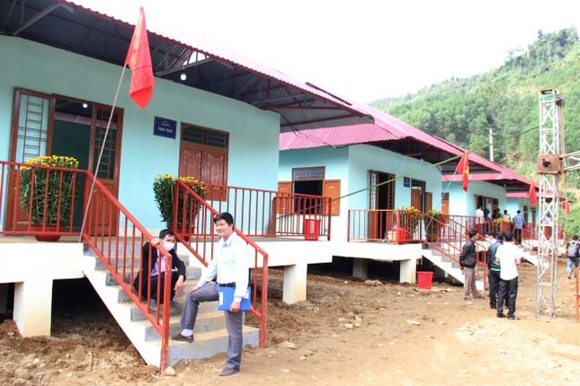 Người dân Trà Leng xúc động nhận nhà mới trước Tết ảnh 2