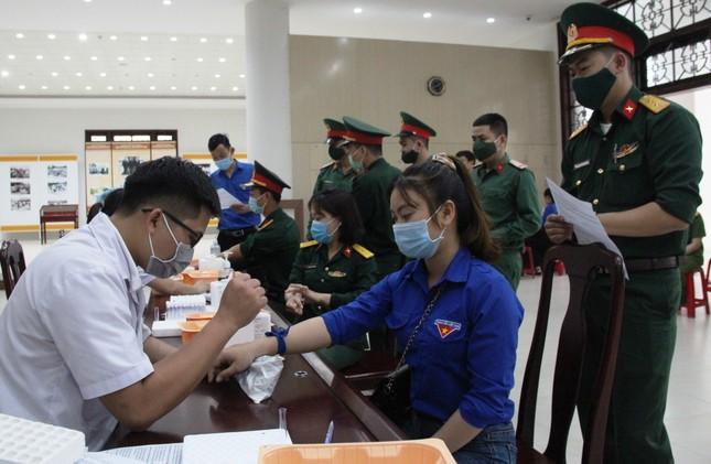 Chủ nhật Đỏ tại Quảng Nam: Những hình ảnh đẹp trong Ngày hội hiến máu cứu người ảnh 1