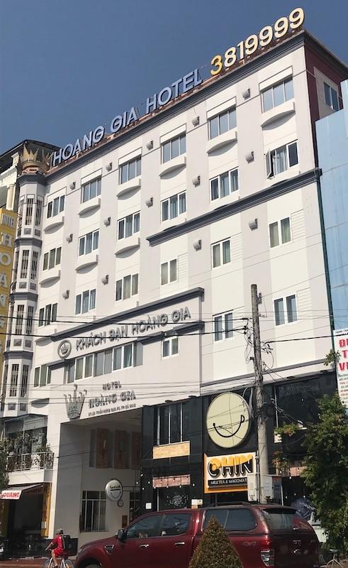Cà Mau: Bà chủ khách sạn Hoàng Gia bị bắt quả tang đánh bạc ảnh 1