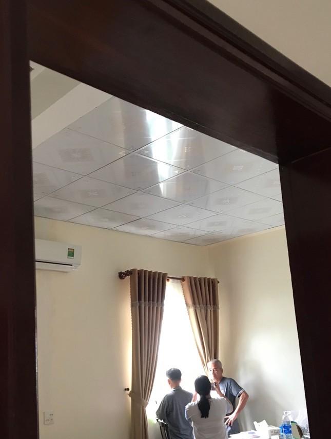 Nhìn gần căn biệt thự nghi bị nã đạn của đại gia Cà Mau ảnh 9