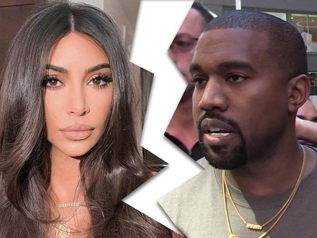Dẫu hôn nhân thất bại nhưng Kim Kardashian lần đầu tiên được Forbes công nhận là tỷ phú ảnh 4