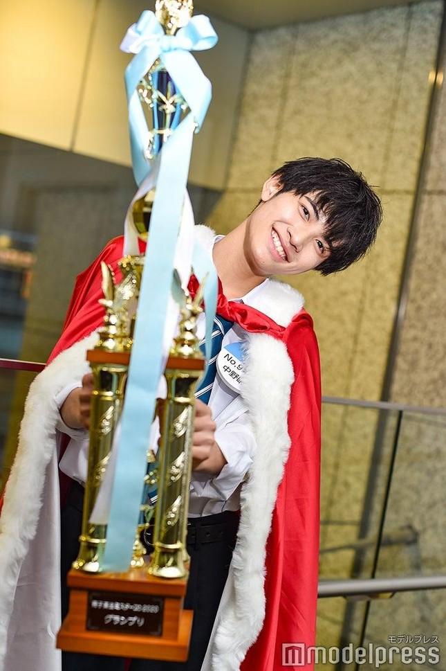 """Nam sinh đẹp trai nhất Nhật Bản có nhan sắc thế nào mà khiến J-net """"không thể nào chê""""? ảnh 2"""