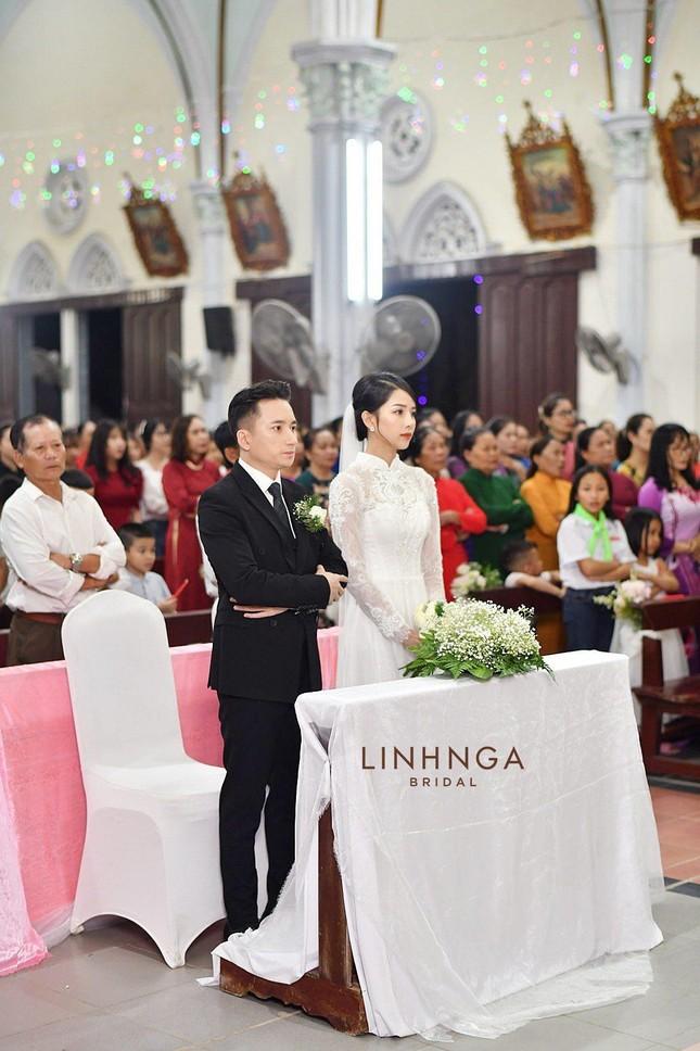 """Phan Mạnh Quỳnh hóa """"soái ca"""" trong lễ cưới, nhưng nhan sắc cô dâu mới là tâm điểm ảnh 3"""