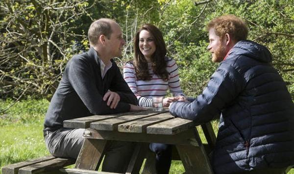 William - Kate xuất hiện, nói những gì mà bị nhiều người bảo phải xin lỗi Meghan - Harry? ảnh 2