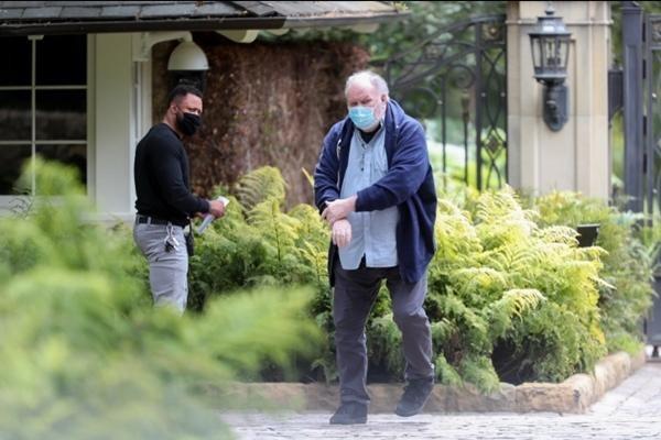 Bố của Meghan Markle lái xe tới nhà Oprah để làm gì, liệu có khiến vợ chồng cô lo lắng? ảnh 2