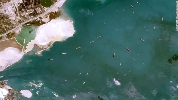 """Trùng hợp khó tin: Tàu Ever Given còn đang kẹt ở kênh đào Suez, đã thêm những vụ """"kẹt"""" mới ảnh 3"""
