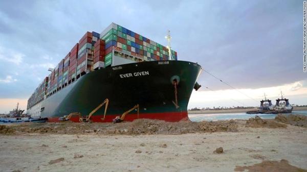 """""""Giải cứu kênh đào Suez"""": Tàu Ever Given """"đã được giải phóng"""", nhưng… vẫn kẹt, vì sao vậy? ảnh 3"""