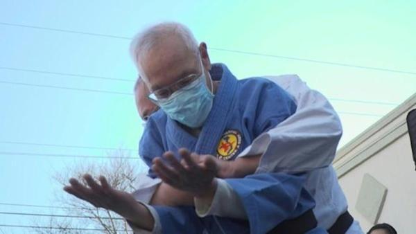 Căng thẳng do nạn thù ghét người châu Á, nhiều người gốc Á tại Mỹ phải đi học võ để tự vệ ảnh 3