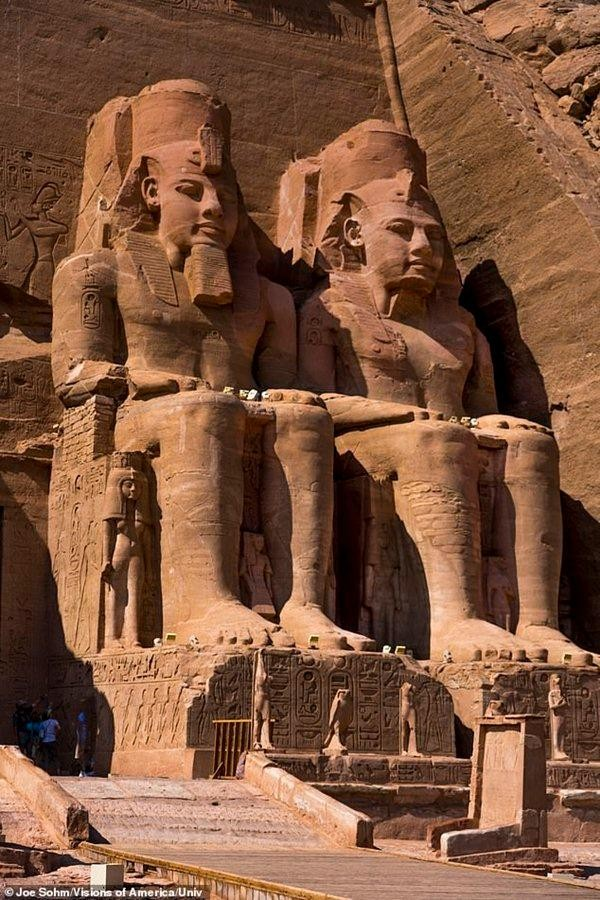 """Ngoài vụ kênh đào Suez, Ai Cập còn gặp nhiều sự cố, có phải do """"lời nguyền của Pharaoh""""? ảnh 1"""
