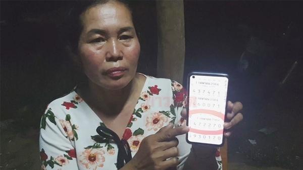 Người mẹ ở Thái Lan trúng xổ số hơn 4 tỷ đồng, kể rằng may mắn đến từ giấc mơ của con trai ảnh 1