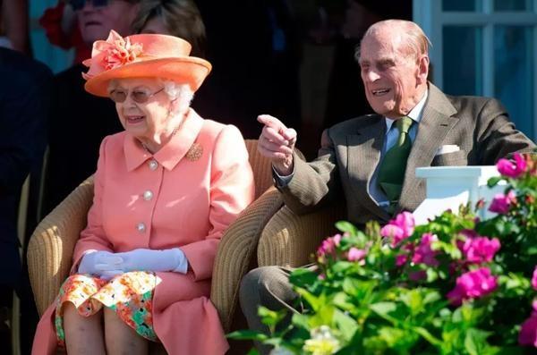 Hoàng thân Philip qua đời: Nhìn lại chuyện tình yêu đặc biệt của Nữ hoàng Anh và chồng ảnh 7