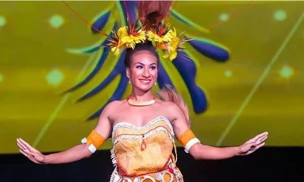Đăng video nhảy lắc hông lên mạng xã hội, Hoa hậu Papua New Guinea bị tước vương miện ảnh 1