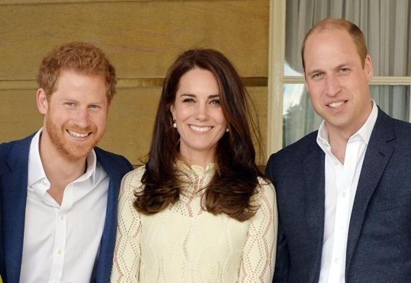 Harry sẽ về đứng bên William trong tang lễ Hoàng thân Philip, còn Kate và Meghan thì sao? ảnh 4