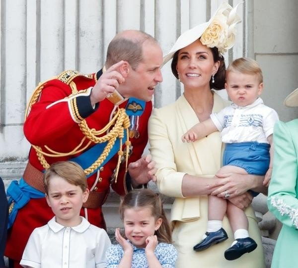 Công nương Kate đã định cho các con tham dự tang lễ Hoàng thân Philip, tại sao giờ đổi ý? ảnh 2
