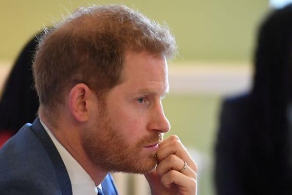 Hoàng tử William giống Hoàng thân Philip ở điểm không bao giờ đeo nhẫn cưới, Kate nghĩ gì? ảnh 4