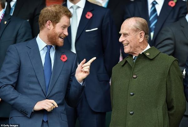 Hoàng tử Harry đã về đến nước Anh, đi thẳng tới nơi ở của William - Kate, lý do là gì vậy? ảnh 1